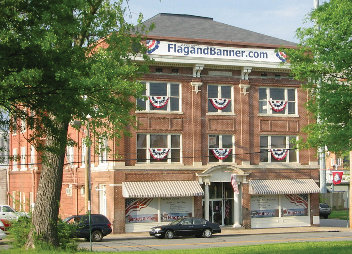 FlagandBanner.com is located at 800 W 9th Street, Little Rock, AR.