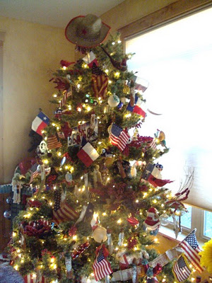 Creative Christmas Decor With Bunting And Patriotic