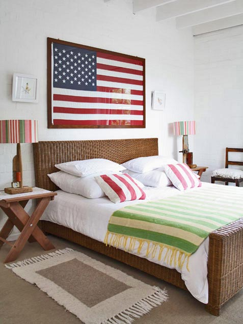 Creative ways to display the american flag indoors for American flag bedroom ideas
